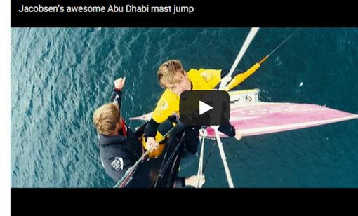Kitesurfting fra maste toppen af  Abi Dhabi Ocean Racing